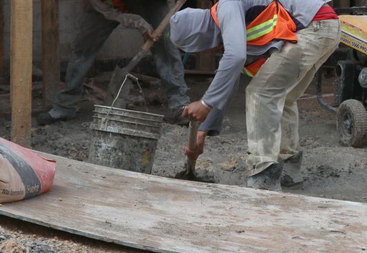 Los alarifes del estado inician 2018 con muchas carencias e inquietudes por la falta de contratación en las obras que se realizan actualmente. (Foto: Milenio Novedades)