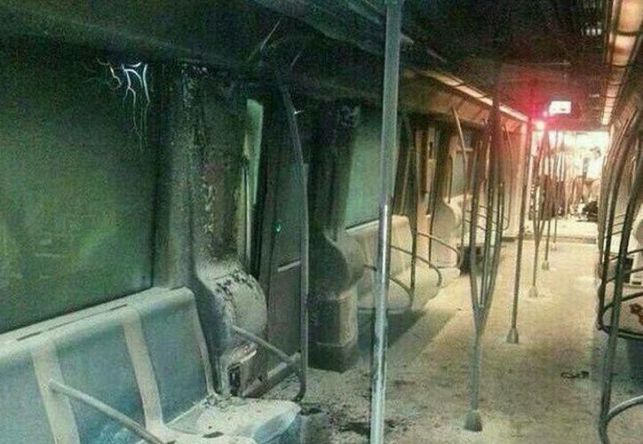 El incendio en el vagón del metro de Santo Domingo dejó 19 heridos. (twitter.com/crismisuin)