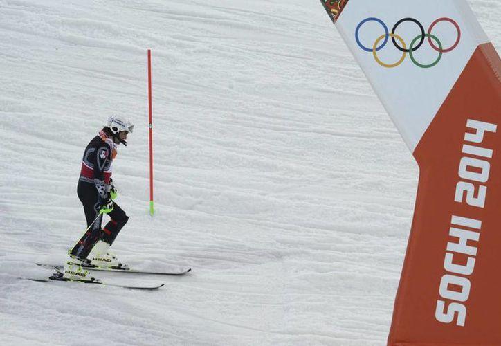 Pese a la decisión, la Casa Blanca dijo que el presidente de EU, Barack Obama, mantiene su apoyo a los atletas de sus país que participarán en las competiciones, que comenzarán el viernes 7 de marzo en Sochi. (EFE/Archivo)