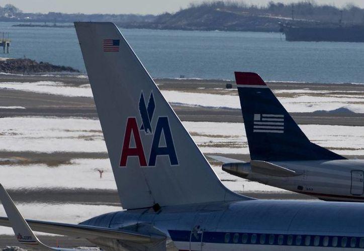 El titular de la Dinac opinó que American Airlines atraviesa un proceso de reingeniería mayor que implica cambio de rutas y de equipos. (Archivo/EFE)