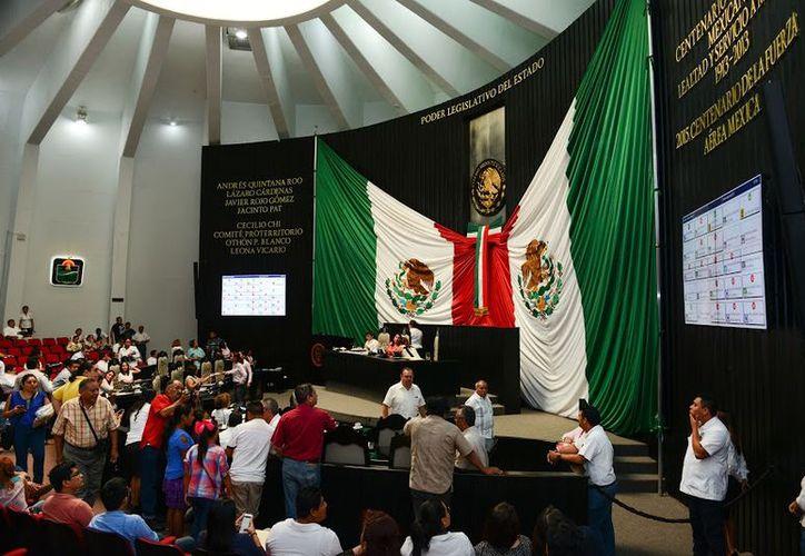 El Pleno avaló el punto de acuerdo promovido por la diputada Eugenia Solís porque se viola el derecho ciudadano de libre tránsito. (Redacción)