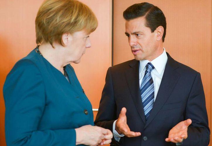 Enrique Peña Nieto agradeció a Ángela Merkel por proponer en su encuentro 'cooperación e intercambio de experiencias' a distintos niveles. (presidencia.gob,mx)