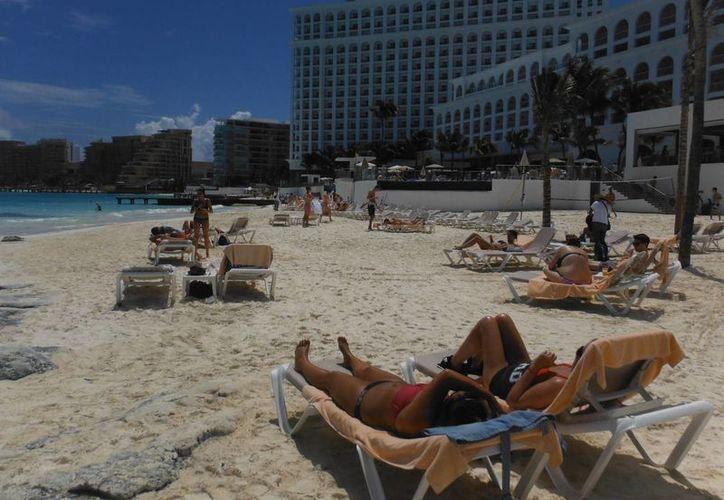 La mayoría de los turistas españoles eligen visitar Cancún. (Israel Leal/SIPSE)
