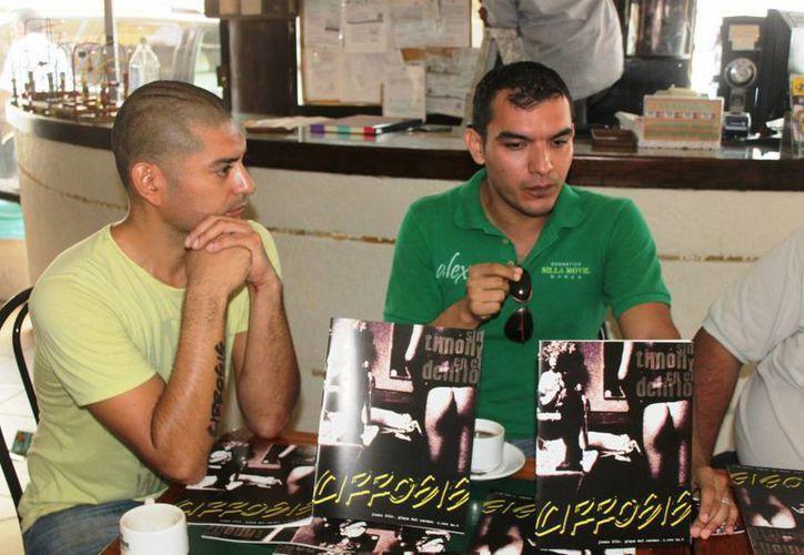 Entusiastas jóvenes presentaron al plan. (Daniel Pacheco/SIPSE)