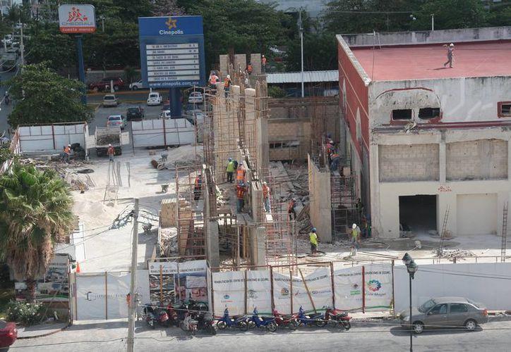 Los trabajos de construcción tienen 30 días de retraso, de acuerdo con lo proyectado. (Julián Miranda/SIPSE)