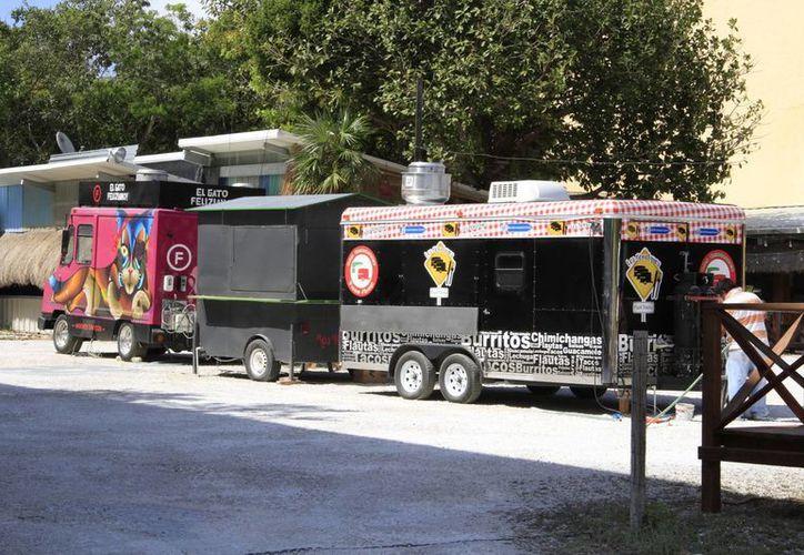 Hace tres años inició el funcionamiento de los Food Trucks. (Tomás Álvarez/SIPSE)