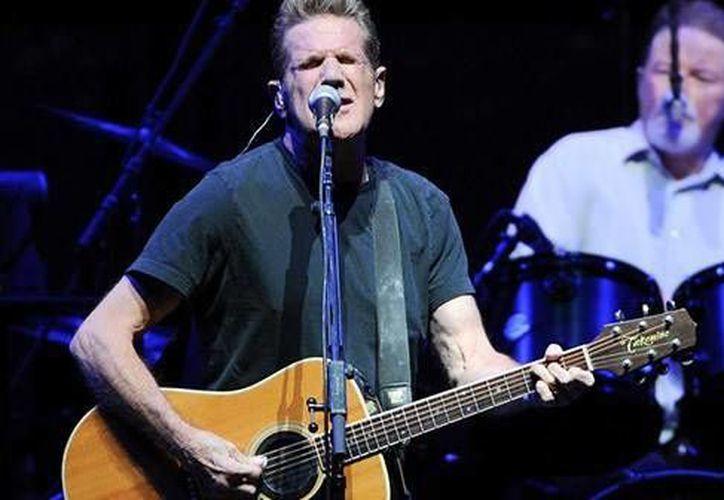 Glenn Frey fue el vocalista, guitarrista principal y pianista de Eagles, banda estadounidense famosa en la década de los setentas. El autor de 'Hotel California' murió a los 67 años de edad. (Archivo AP)