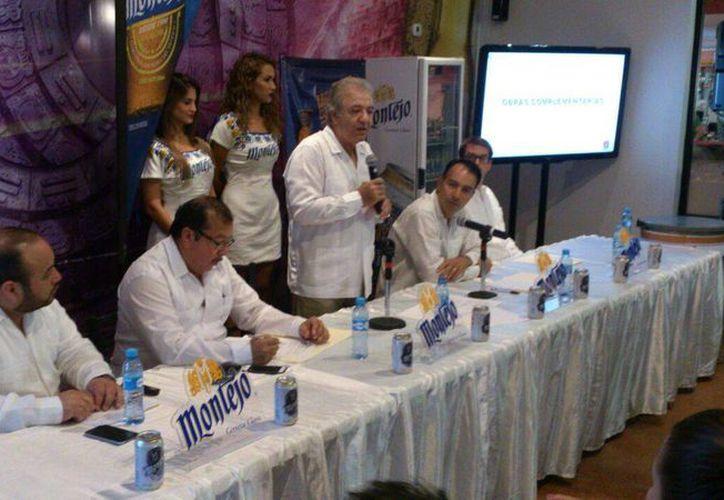 Imagen de la rueda de prensa en donde se anunció el proyecto de modernizacion y ampliación de las instalaciones de la Feria Yucatán. (José Acosta/Milenio Novedades)