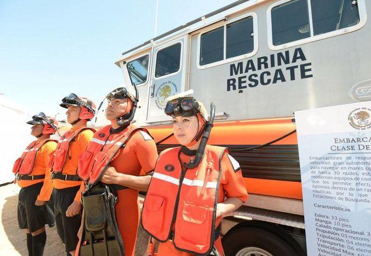 El Secretario de Marina informó de la compra de 17 embarcaciones Comander FC-33 para que se integren al Sistema de Vigilancia Marítima Nacional. (Foto: presidencia.gob.mx)-