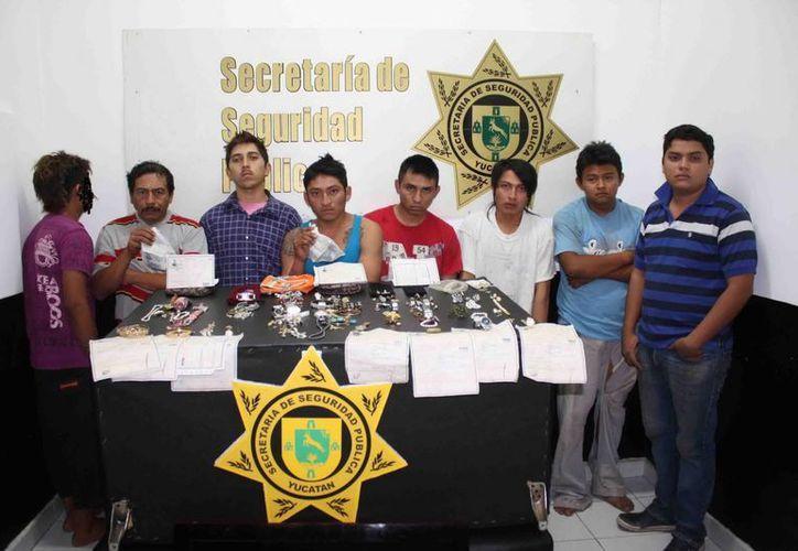 Según los agentes que los detuvieron, los presuntos ladrones intentaron extorsionarlos. (Cortesía)