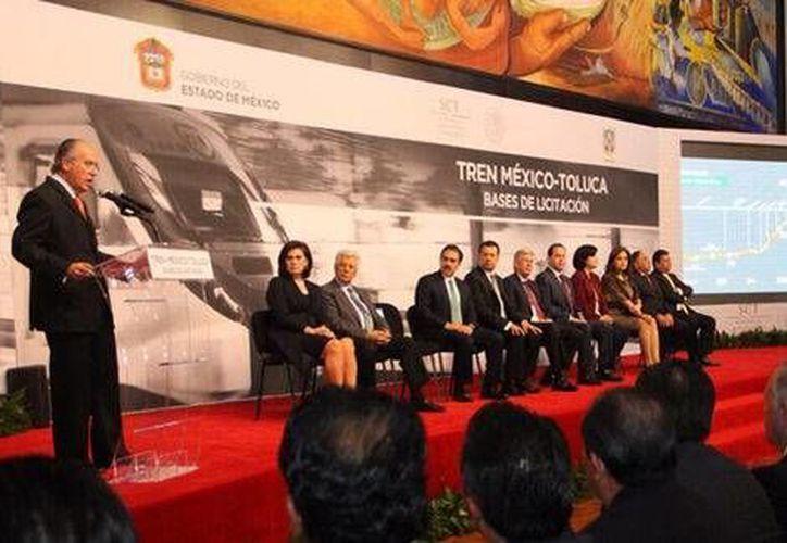 Durante la presentación del proyecto del Tren México-Toluca se explicó que la obra tendrá un recorrido de 57.7 kilómetros. (Foto tomada de Twitter @MariaElenaBT)