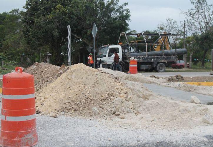 Realizan un acueducto de 2.7 kilómetros desde el pozo a la red de distribución del poblado. (Javier Ortiz/SIPSE)