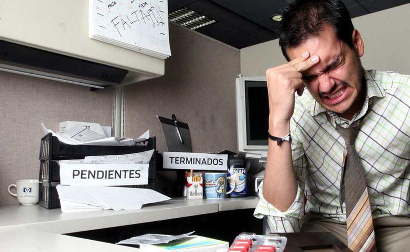Las personas que viven bajo un estrés sofocante podrían tener periodontitis. (Foto: Contexto/Internet)