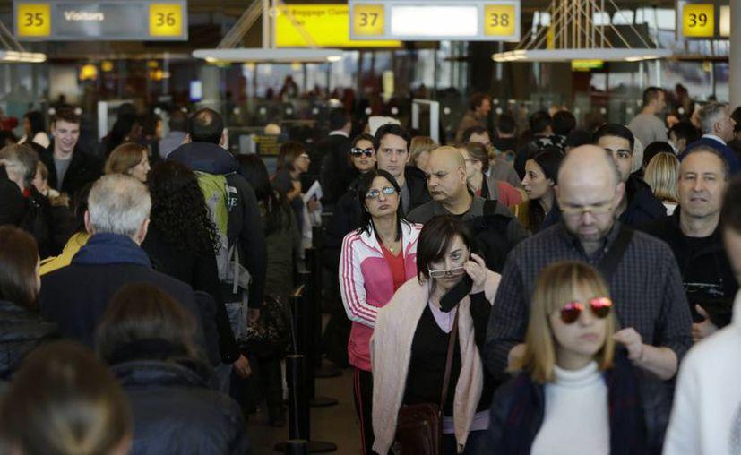 Millones de estadunidenses viajan durante la semana de Acción de Gracias. (Agencias)