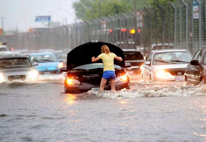 Las inundaciones se registran en vastas áreas, desde la capital federal hasta a 500 kilómetros hacia el este. (Contexto/Internet)