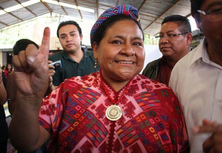 La fundación de la Premio Nobel de la Paz, Rigoberta Menchú, publicó en Facebook un comunicado en el que exige una disculpa por una publicación en Instagram. (Archivo AP)