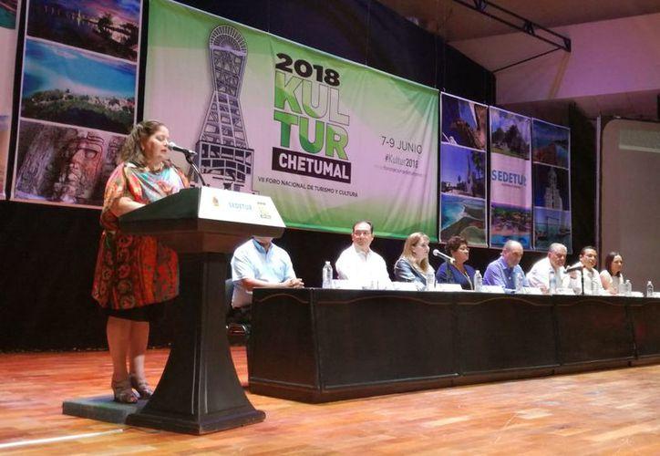 En la ceremonia de inauguración, Marisol Vanegas Pérez, secretaria de Turismo del estado, señaló que el país ofrece una inolvidable experiencia turística. (Foto: Ángel Castilla/SIPSE)