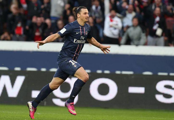 Ibrahimovic llegó la temporada pasada al PSG, procedente del Milan, por unos 20 millones de euros. (Agencias)