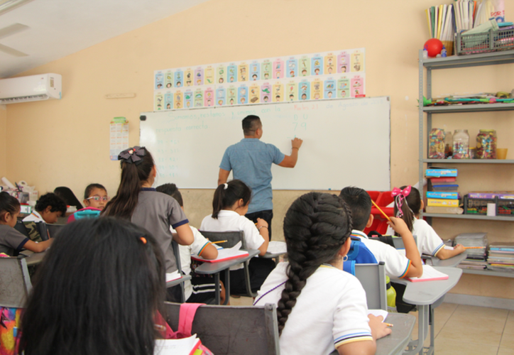 Los profesores que tienen la tarea de la enseñanza en las escuelas deben enfocarse a las nuevas técnicas en sus respectivas áreas. (Archivo/Sipse)