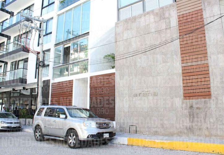 Uno de los bienes es un departamento del Condominio Arena, que se ubica en la Primera Norte. (Adrián Barreto/SIPSE)