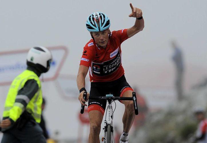 El veterano ciclista de 41 años, mantiene una ventaja de 37 segundos a falta de una etapa. (Foto: Agencias)