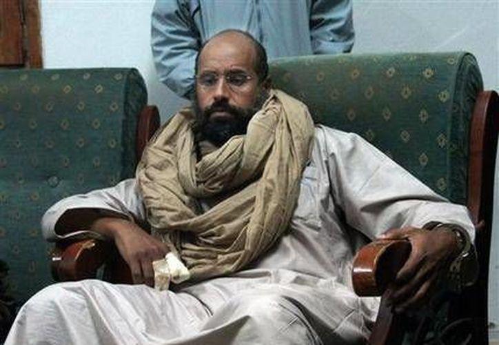 Seif al-Islam tras su captura a manos de milicianos de Zitan, en 2011. Unos 38 implicados en los hechos de la Primavera Árabe han sido sentenciados en diversos juicios en Líbano. (Archivo AP)