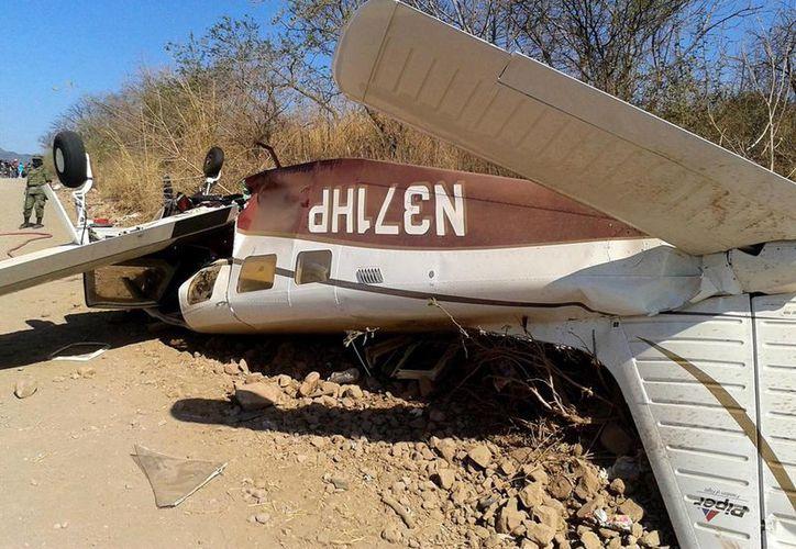 Autoridades informaron que el accidente se registró en la madrugada y que en la aeronave viajaban al menos 10 personas. (Foto de archivo Notimex)