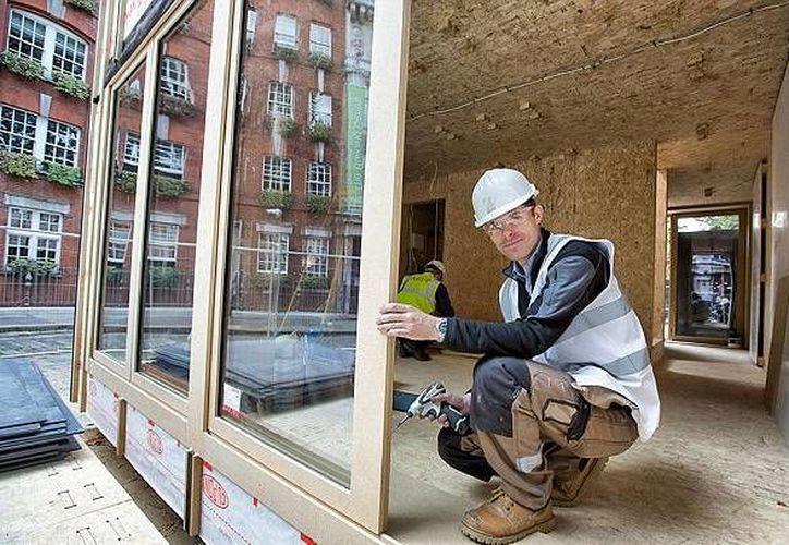 El diseñador y gestor de proyecto Alastair Parvin (foto) dice que la crisis de vivienda de Londres inspiró el concepto. (Evening Standard/eyevine)