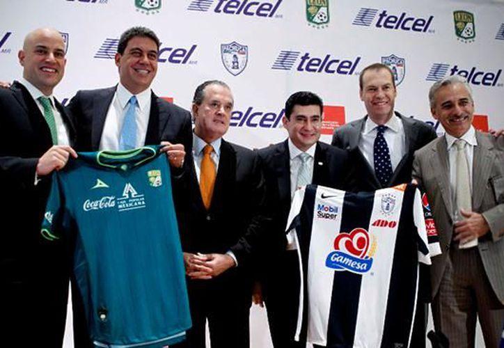 Concluyó después de cinco años, el convenio accionario de la empresa que lidera a Telcel, con Grupo Pachuca, en el que se incluía la propiedad de dos equipos de fútbol de la primera división. (Contexto/Internet)