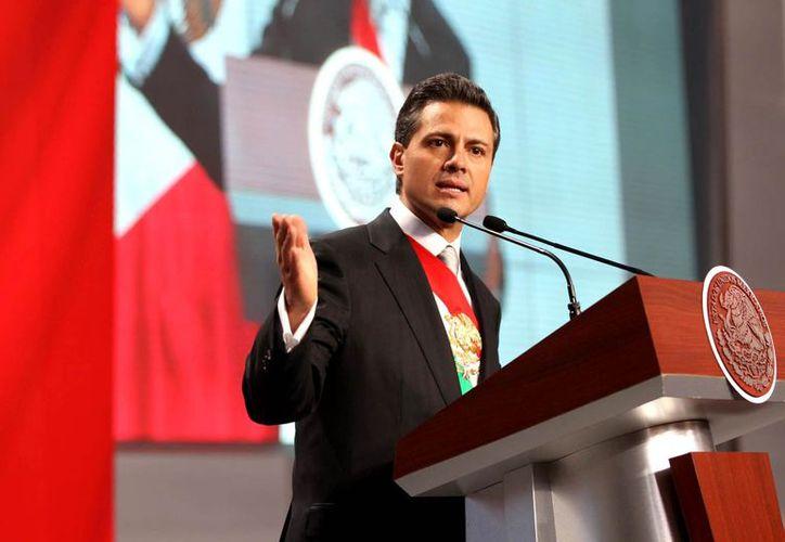 Enrique Peña Nieto, luego de concluir su primer mensaje a la nación. (Foto: Presidencia)