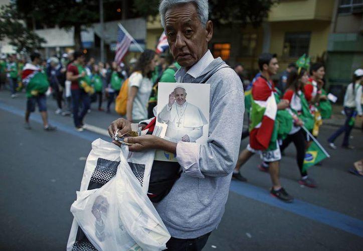 La visita del Papa es insuficiente para que regresen a misa, aseguran los brasileños. (Agencias)
