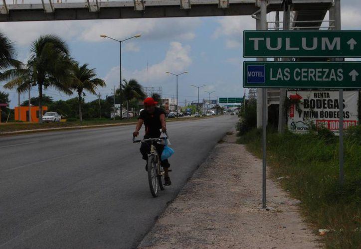 Anuncian en Cancún seguro para ciclistas. (Tomás Álvarez/SIPSE)