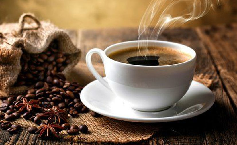 El estudio estableció que la gente que consume una taza de la bebida al día cuenta con un 12% menos de probabilidades de sufrir una muerte por algunas enfermedades. (Contexto/Internet).