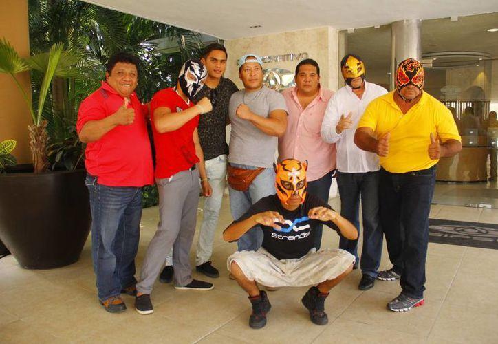 """La Unión de Luchadores de Mérida (ULM) entregará talento en el ring así como """"Taco de Ojo"""",  """"Tila María Sesto"""", """"Pixculín"""" el lado  cómico. (Juan Albornoz/Milenio Novedades)"""