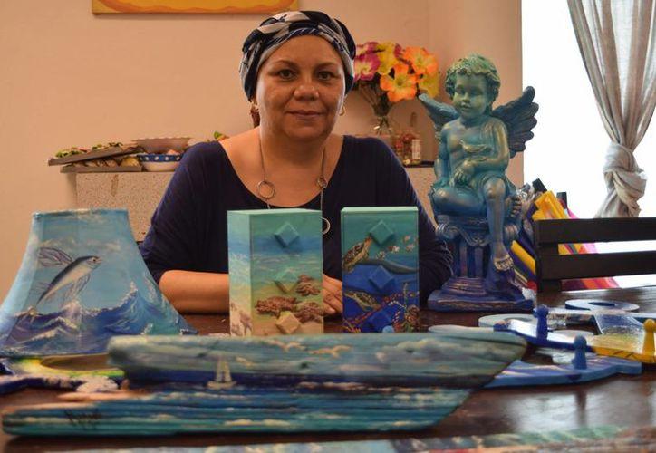 Su principal inspiración son los paisajes de Cozumel en especial las imágenes antiguas. (Gustavo Villegas/ SIPSE)