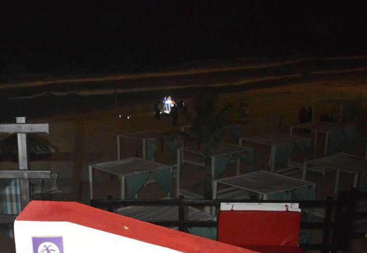 La turista, de origen venezolana, murió ahogada en la playa del hotel donde se hospedaba. (Sergio Orozco/SIPSE)