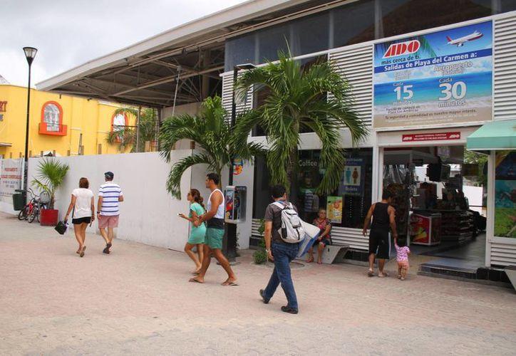 Las obras de remodelación de la terminal de autobuses estarán concluidas en marzo de 2015. (Juan Cano/SIPSE)