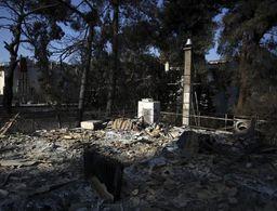 Greek fire damages over 2,000 homes