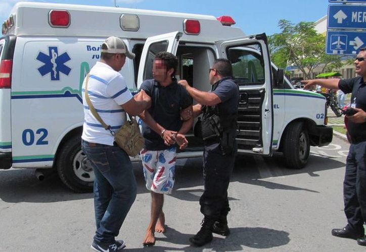 Gustavo 'N' fue perseguido y detenido por ciudadanos de Cozumel. (Redacción/SIPSE)