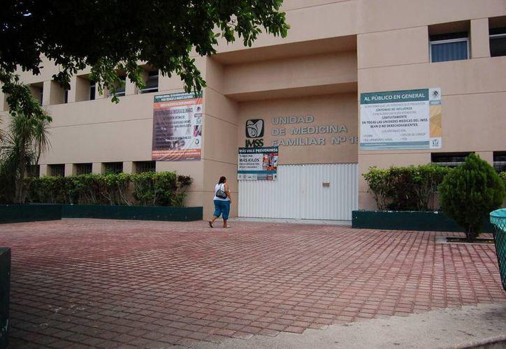 Los hechos ocurrieron en la Unidad Médica Familiar de la Supermanzana 51 de Cancún. (Redacción/SIPSE)