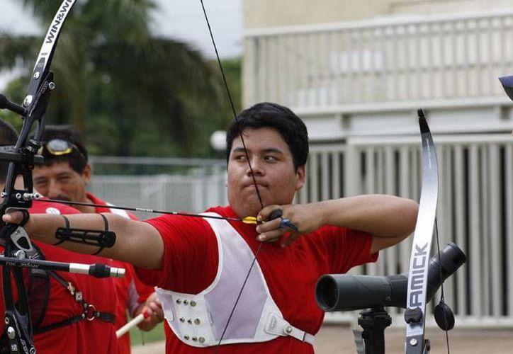Pedro Vivas quiere foguearse en Las Vegas para cumplir su sueño de acudir a unas Olimpiadas. (SIPSE)