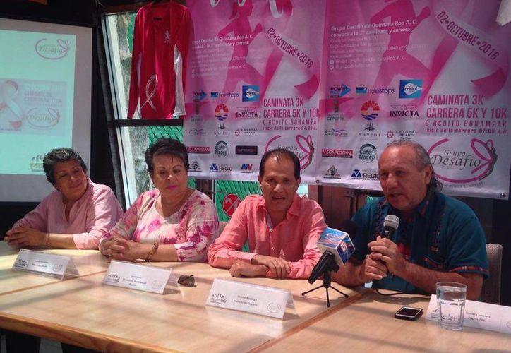 Una vez más Grupo Desafío regresa a las carreras y ahora en apoyo de las mujeres que padecen cáncer. (Raúl Caballero/SIPSE)