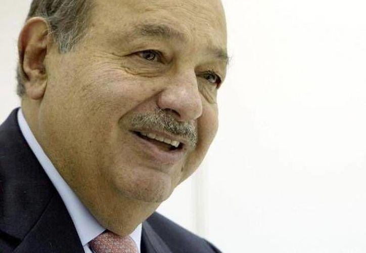 Slim deberá solicitar el cambio de licitación de Telmex en junio si desea competir en la apertura de las dos nuevas cadenas de TV. (Archivo/SIPSE)