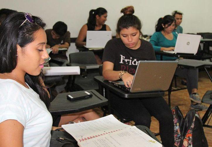 Los jóvenes se enfrentarán a los cambios durante el próximo período escolar. (Jesús Tijerina/SIPSE)