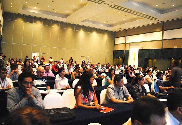 En la reunión se celebró también el 15 Congreso Nacional de Medicina Interna para Médicos Generales y Familiares. (Cortesía/SIPSE)
