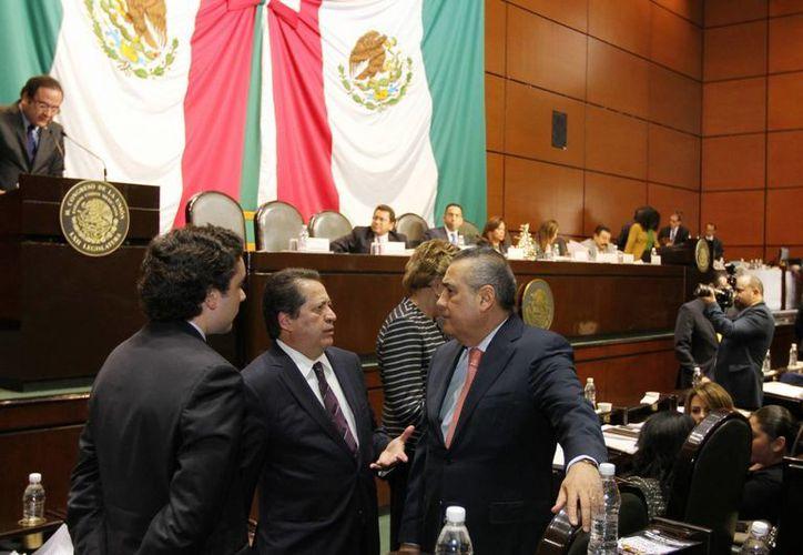 Manlio Fabio Beltrones, titular de Jucopo, dijo que la Cámara de Diputados saluda la decisión del gobierno federal de hacer ajustes al gasto corriente. (Notimex)