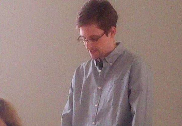 Fotografía cedida por la Organización de Derechos Humanos que muestra al exanalista de la CIA Edward Snowden. (Archivo/EFE)