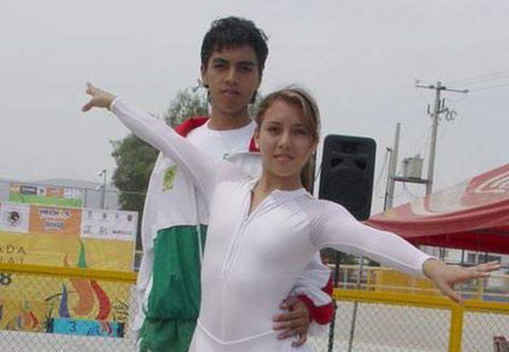 Claudia Núñez y Juan Carlos Padilla destacaron en el Panamericano de patinaje, selectivo para los Juegos Centroamericanos de 2014, a realizarse en Veracruz.(Foto: Milenio Novedades)