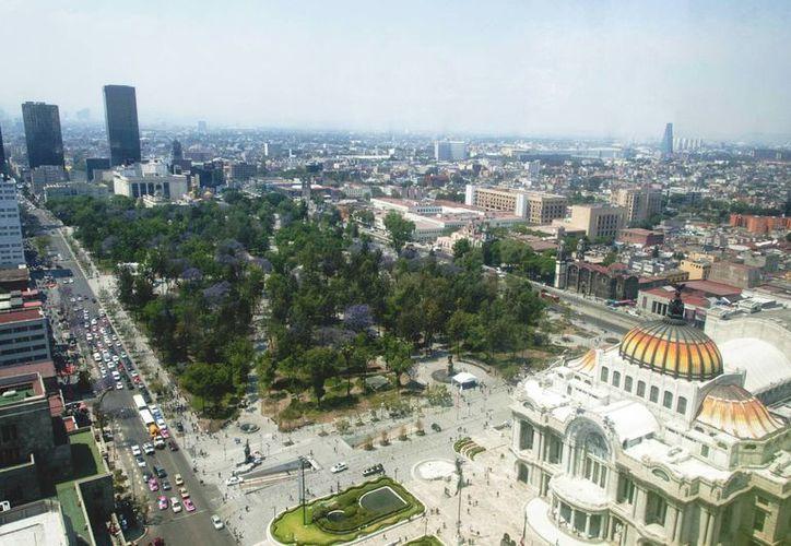 Las autoridades de la Ciudad de México decretaron el martes la segunda Contingencia Ambiental en lo que va de 2016. Se espera que los altos niveles de contaminación no se disperesen fácilmente debido a las condiciones meteorológicas adversas. (Notimex)