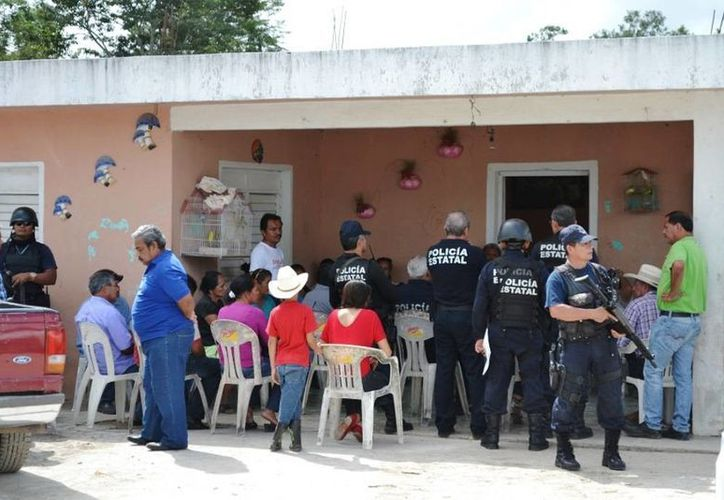 Carlos Bibiano Villa Castillo dijo que él mismo daría la aprobación para que estos grupos de vigilancia fueran creados. (Edgardo Rodríguez/SIPSE)